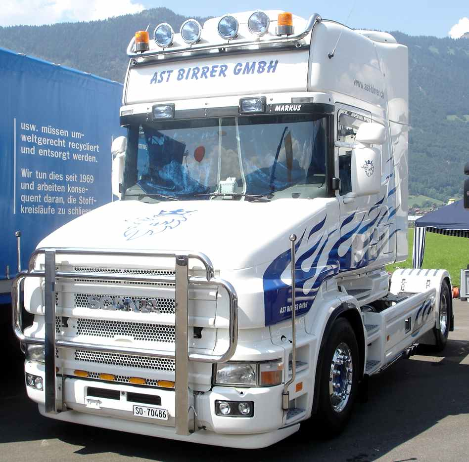 Camions trucks page 6 for Interieur camion scania